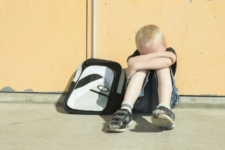Jeśli nasze dziecko doświadcza dokuczania w szkole, ważne, by przekazać mu, że słowa dokuczającego nie są prawdą,