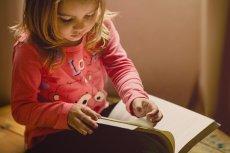 Czytanie wrażeniowe a rozwój dziecka - sposób na koncentrację