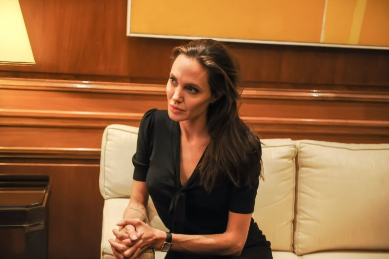 Angelina Jolie - profilaktyka nowotworowa.
