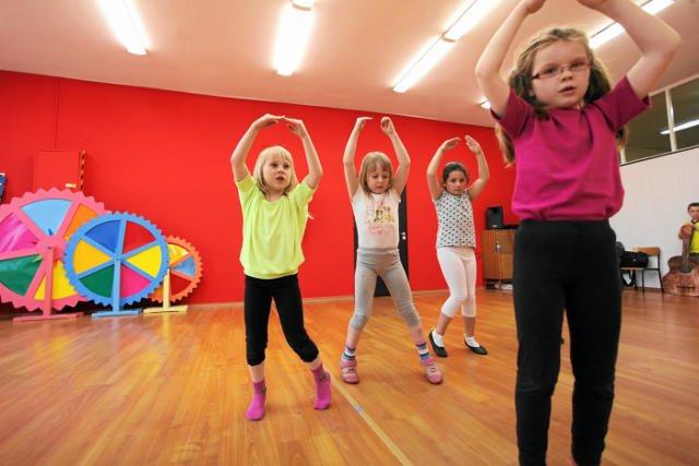 Rzeszowskie domy kultury proponują rodzicom dłuższą opiekę nad dziećmi w czasie ferii.