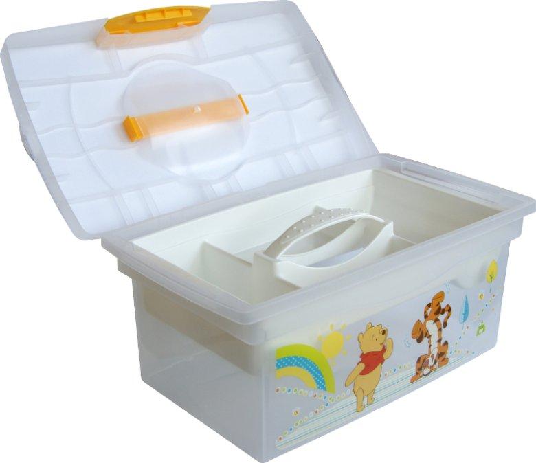 """W łazience jako magazyn kąpielowych i pielęgnacyjnych akcesoriów sprawdzi się poręczny pojemnik z zatrzaskowym zamknięciem i wyjmowanym wkładem. Na fotografii """"patryk"""", wyprodukowane przez keeeper pudełko dekoracyjne."""