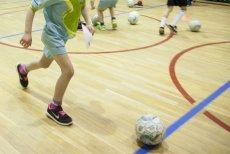 Przekonanie, że piłka nożna to nie sport dla dziewczynek, jest powszechne i krzywdzące