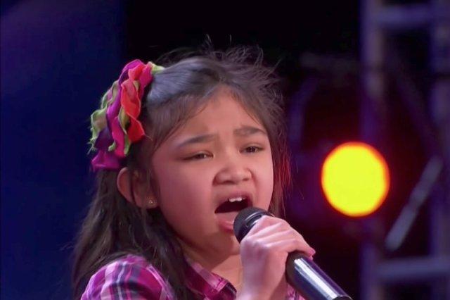 Jej śpiew zaskoczył wszystkich.