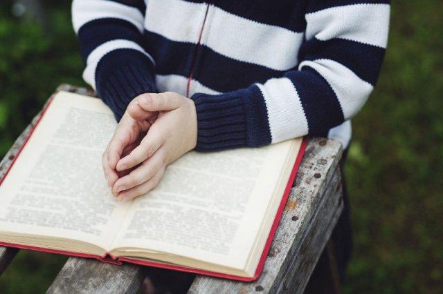 Kuriozalne zadanie dla dzieci na lekcji religii.