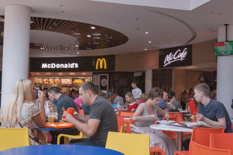 McDonald's – najpopularniejszy bar szybkiej obsługi – naraził życie ciężarnej.