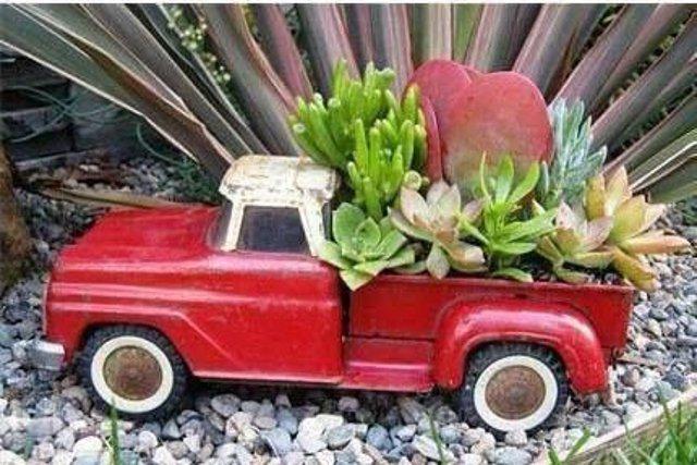 Fot. Screen z Pinterest / [url=https://pl.pinterest.com/pin/47217496070818296/]Empress of Dirt, Garden Art Ideas[/url]