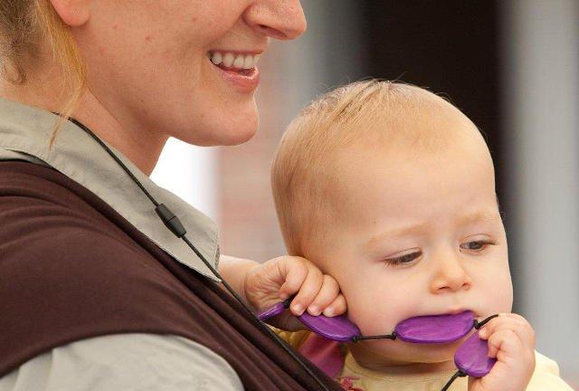 Biżuteria może być i ładna i funkcjonalna. Funkcjonalność docenia dziecko.