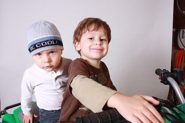 [url=http://pixabay.com/pl/ch%C5%82opc%C3%B3w-dla-dzieci-razem-w-konna-286796/]Pixabay[/url] / [url=http://pixabay.com/pl/service/terms/#download_terms]CC O[/url] Mediacje bywają łatwe