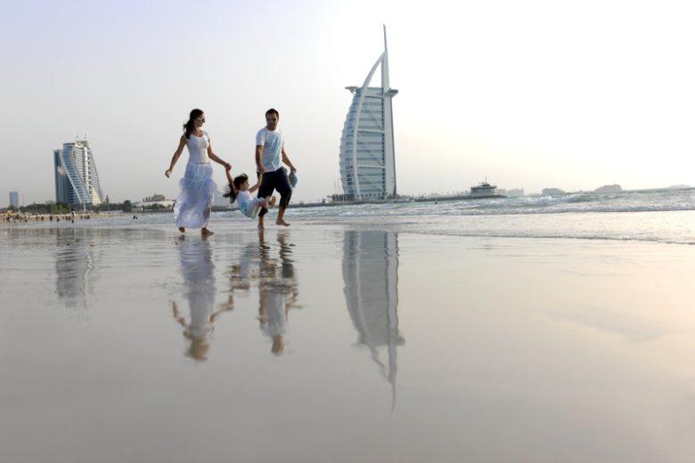 W okresie wielkanocnym rodzinne wycieczki do Dubaju możemy wykupić w atrakcyjnych w stosunku do całego roku cenach. W tym mieście dzieci z pewnością nie będą się nudziły
