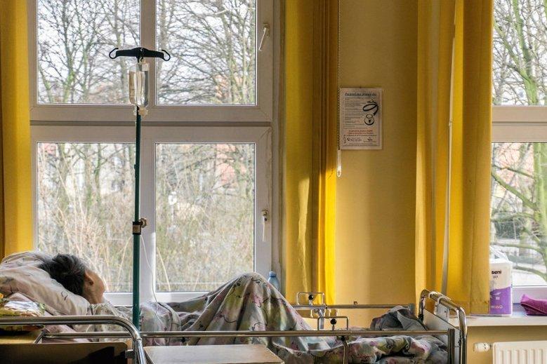 Poród w szpitalu we Włocławku skończył się dla Sary traumą