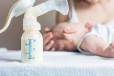 Mleko matki ma mieć w swoim składzie substancję, która jest wstanie zwalczyć komórki rakowe.