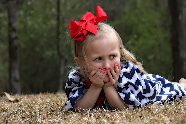 Fot. Pixabay/ [url=http://pixabay.com/pl/dziewczyna-dziecko-portret-102831/]Greyerbaby[/url] / [url= http://pixabay.com/pl/service/terms/#download_terms]CC O[/url]