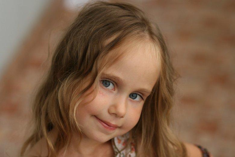 Fot. elementus/ [url=https://pixabay.com/pl/dziewczyna-dziecko-twarz-portret-371884/]Pixabay[/url] / [url=https://pixabay.com/pl/service/terms/#usage]CC0 Public Domain[/url] Samodzielne dziecko to prawdziwy skarb!