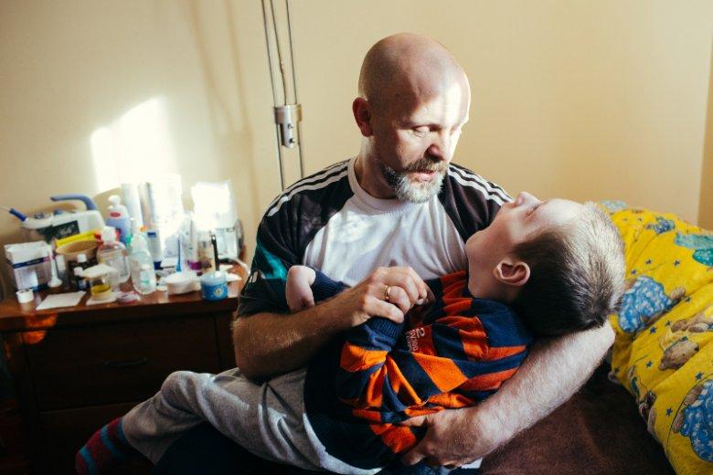 Tata z Wiktorem Podopiecznym Hospicjum Pomorze Dzieciom