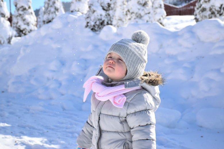 Skóra dziecka jest delikatna, więc wymaga specjalnej pielęgnacji zimą.