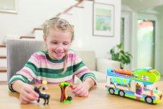 Klocki to zabawka uniwersalna. Niesłabnącą popularnością wśród dzieci cieszą się tzw. zestawy tematyczne