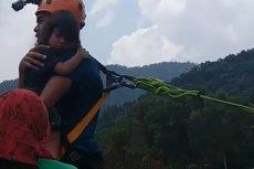 Skok na bungee z 2-letnim dzieckiem.
