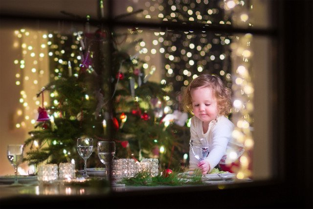 Kilkulatek może zjeść prawie wszystko z wigilijnego stołu. W przypadku malucha lepiej będzie uniknąć kilku pozycji świątecznego menu.