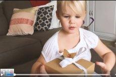 Radość dziecka z prezentu