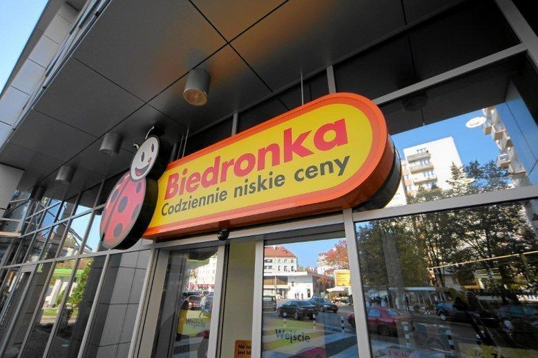 Czersk: kobieta urodziła na ulicy przy wejściu do Biedronki