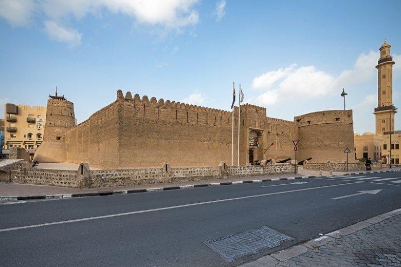 Fort Al-Fahidi, zbudowany ok. 1787 roku, jest najstarszym istniejącym budynkiem w Dubaju