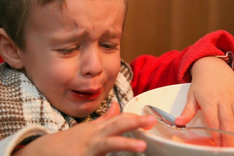Zmuszanie dziecka do jedzenia nigdy nie jest dobrym pomysłem