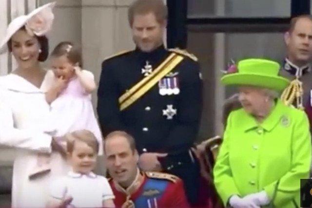 Tę scenę zobaczyłcały świat. Królowa zwróciła uwagę Williamowi