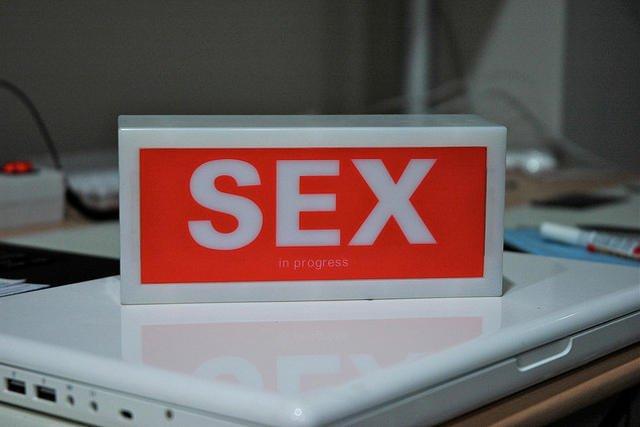 O to, by dzieci nie miały dostępu do stron zawierających treści pornograficzne, powinni zadbać rodzice.
