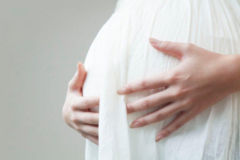 """""""Jestem w ciąży i panikuję, ale boje się o tym komukolwiek powiedzieć""""."""