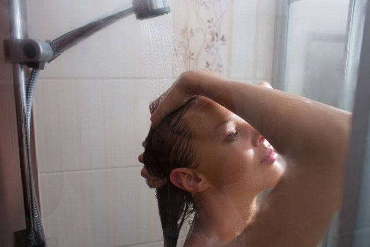 gorące mamy pod prysznicem dwie czarne cipki