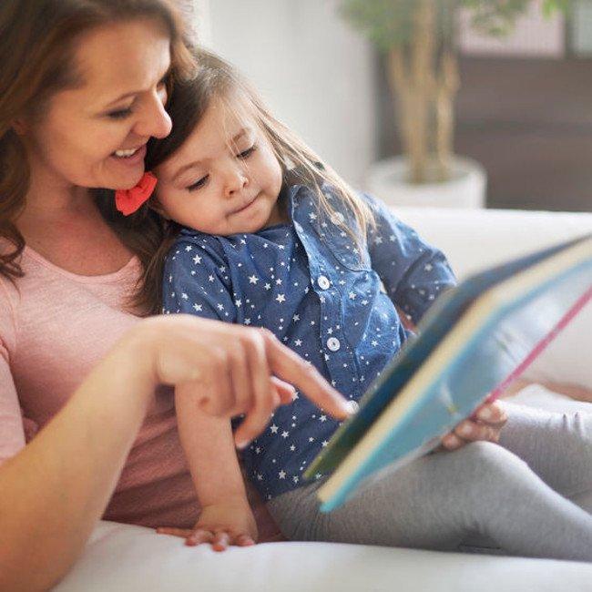 Mama czyta - wykorzystując pozytywny wpływ bajek na rozwój dziecka