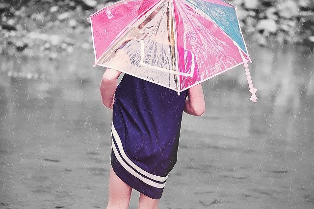 Fot. Pixabay / [url=https://pixabay.com/pl/osoby-cz%C5%82owiek-dziecko-dziewczyna-852813/]Pezibear[/url] / [url=https://pixabay.com/service/terms/#usage]CC0 Public Domain[/url]