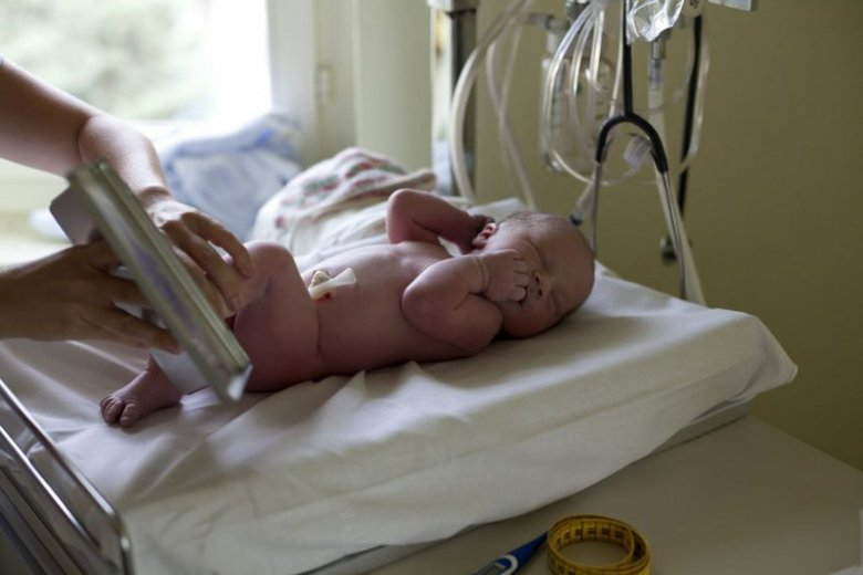 Procedury wykonywane w pierwszej dobie życia dziecka.