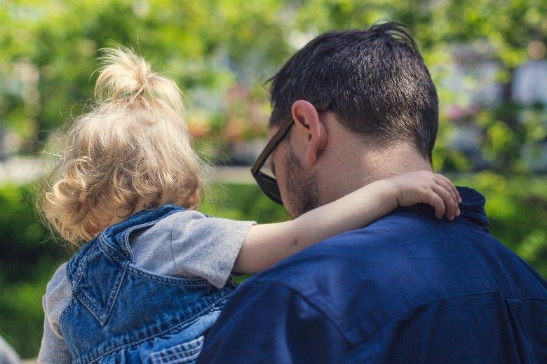 8 proc. Polaków wychowuje nie swoje dzieci.