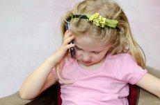Czasem to my, rodzice, będziemy potrzebowali pomocy. Powinniśmy więc zadbać o to, by nasze pociechy wiedziały, jak zachować się w nagłych sytuacjach