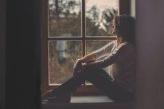 """Czy nasz mózg """"wie"""", kiedy doświadczamy samotności?"""