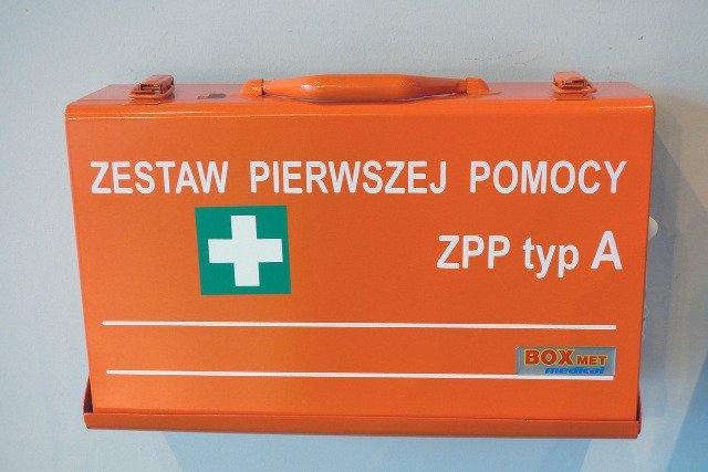 Fot. Pixabay / [url=https://pixabay.com/en/first-aid-kit-first-aid-medical-441309/]dantetg[/url] / [url=https://pixabay.com/en/service/terms/#usage]CC0 Public Domain[/url]