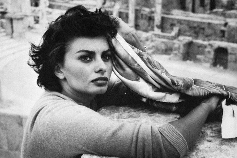 Sophia Loren - dla wielu ideał kobiety! Do dziś wygląda zjawiskowo