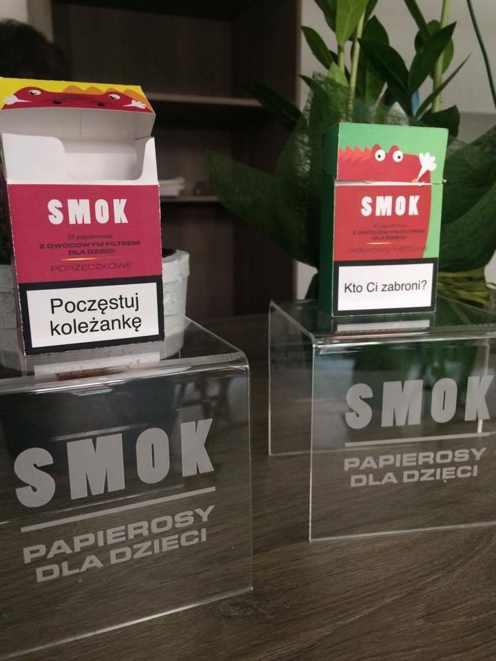 """Kolorowe opakowania i wymowne hasła adresowane do dzieci to znaki szczególne """"papierosów""""."""