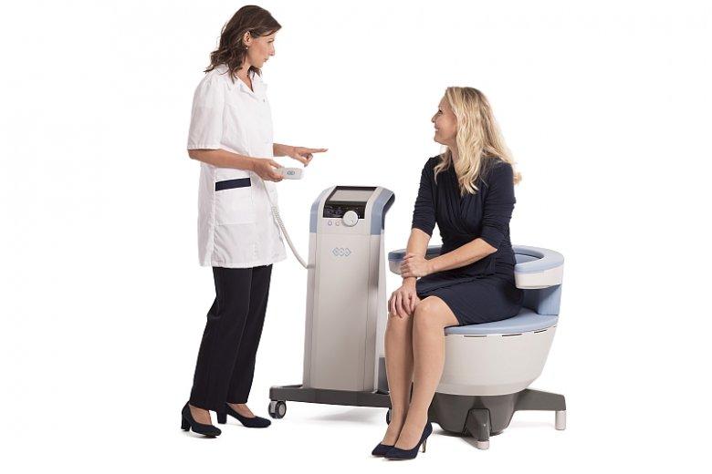 Zabieg EMSELLA to bezinwazyjny i bezoperacyjny sposób na rozwiązanie problemu nietrzymania moczu. Terapia wykorzystuje fotel treningowy, który ćwiczy u pacjenta mięśnie dna miednicy