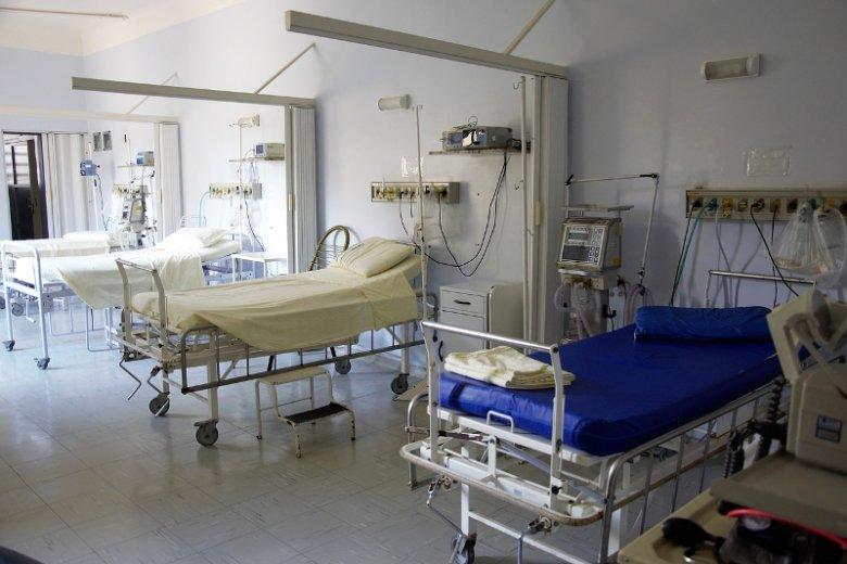 Na oddziałach dziecięcych brakuje lekarzy dyżurujących.