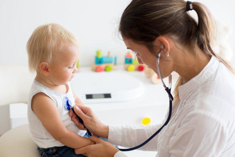 Wiele usług świadczonych w ramach polis rodzinnych ukierunkowanych jest na zapewnienie dzieciom i rodzicom opieki zdrowotnej