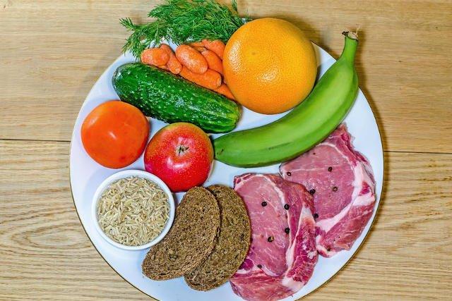 Nie wszystkie przekazywane sobie zasady o zdrowym odżywianiu są prawdziwe.