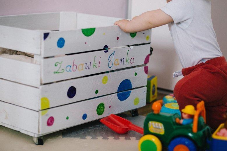 Dlaczego warto pozbyć się z pokoju dziecięcego... zabawek?