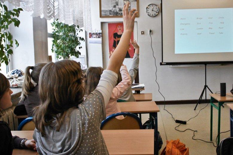 Minister Elżbieta Rafalska poinformowała, że nie każdemu będzie przysługiwało 300+
