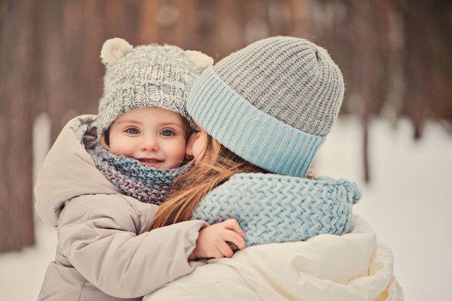 W mroźne miesiące lepiej nie wychładzajmy nadmiernie organizmu  dziecka od wewnątrz.