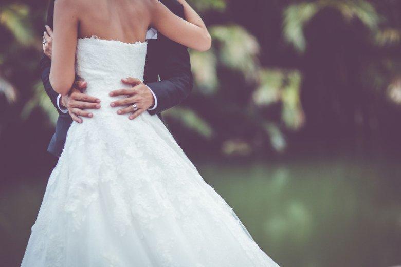 Nie każda kobieta chce przyjąć nazwisko męża.