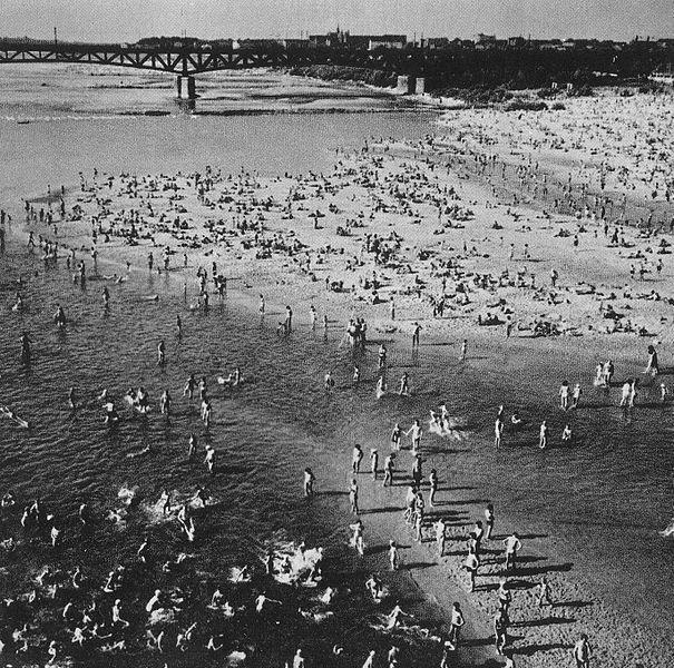 Plaża w Warszawie, lata 60. XX wieku