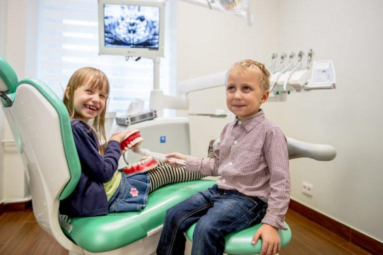 Najważniejsza rada dla rodziców - nie odwlekajmy pierwszej wizyty u dentysty.