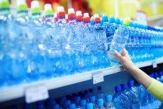 Zakażenia przenoszone przez picie z jednej butelki lub szklanki.